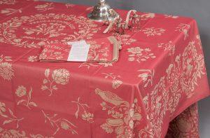 Anna Catarina Krag's silk tablecloth Collection